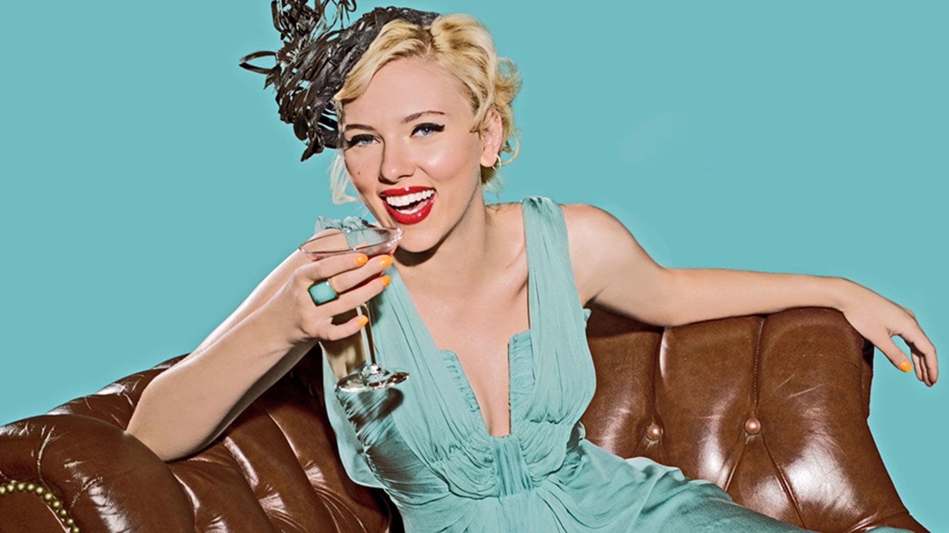 Scarlett Johansson; Björk