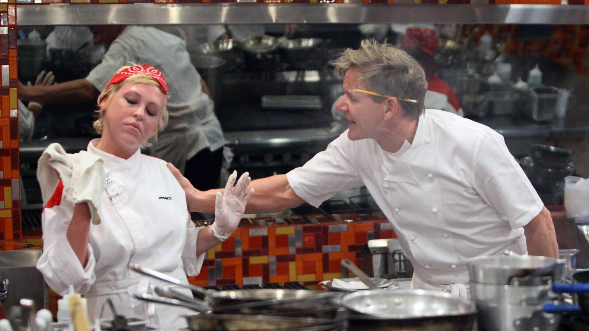 18 Chefs Compete