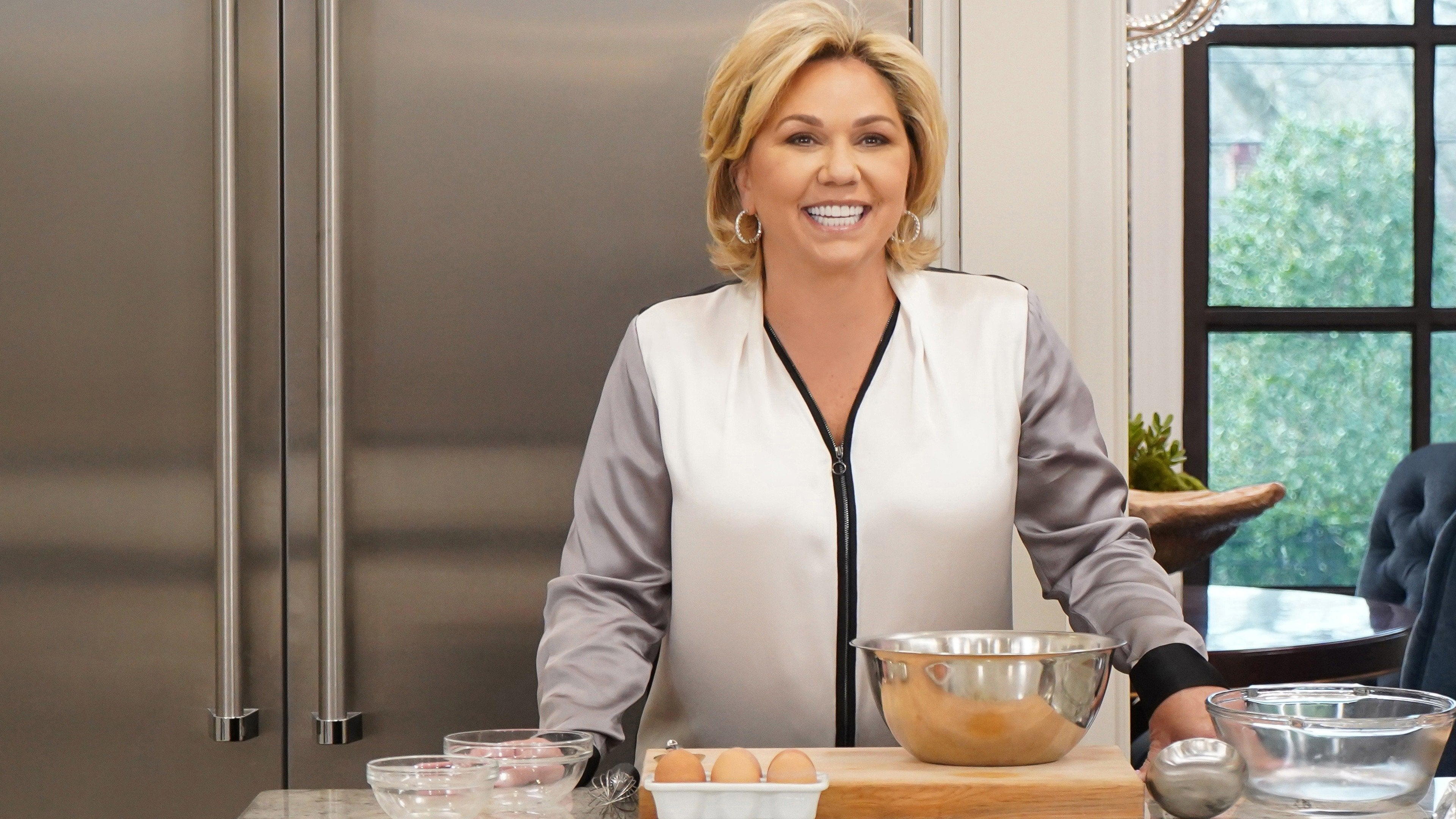 Watch What's Cooking with Julie Chrisley Online | Peacock