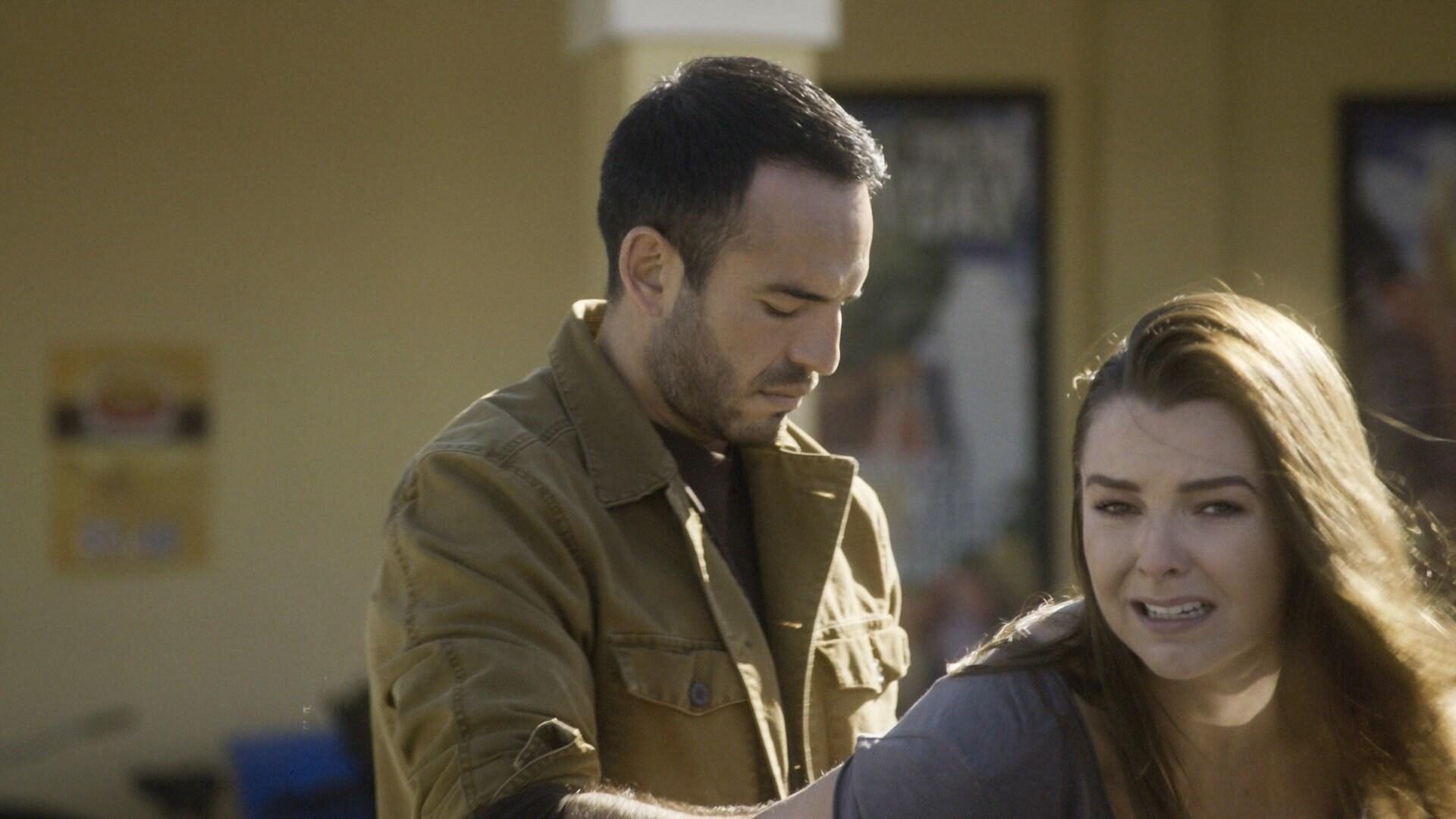 Joel arresta a Sofía