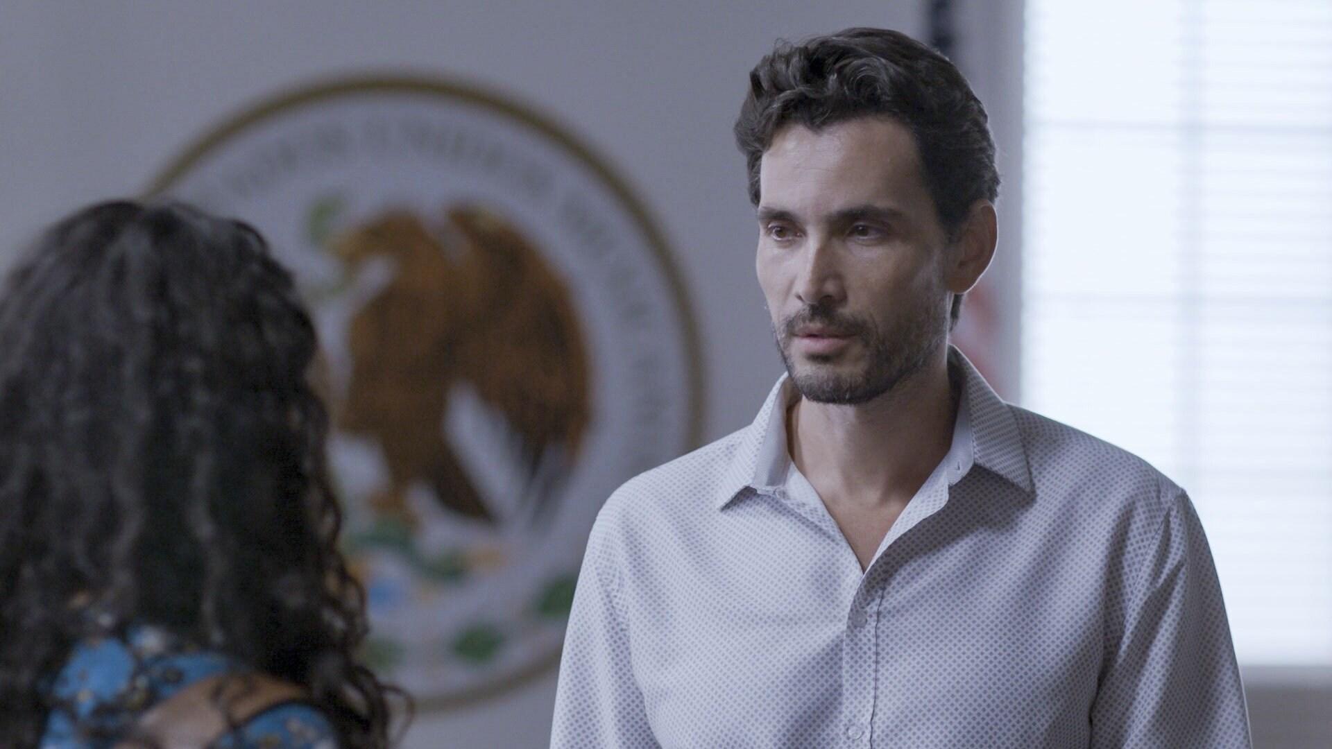 Max se divorcia de Eliza