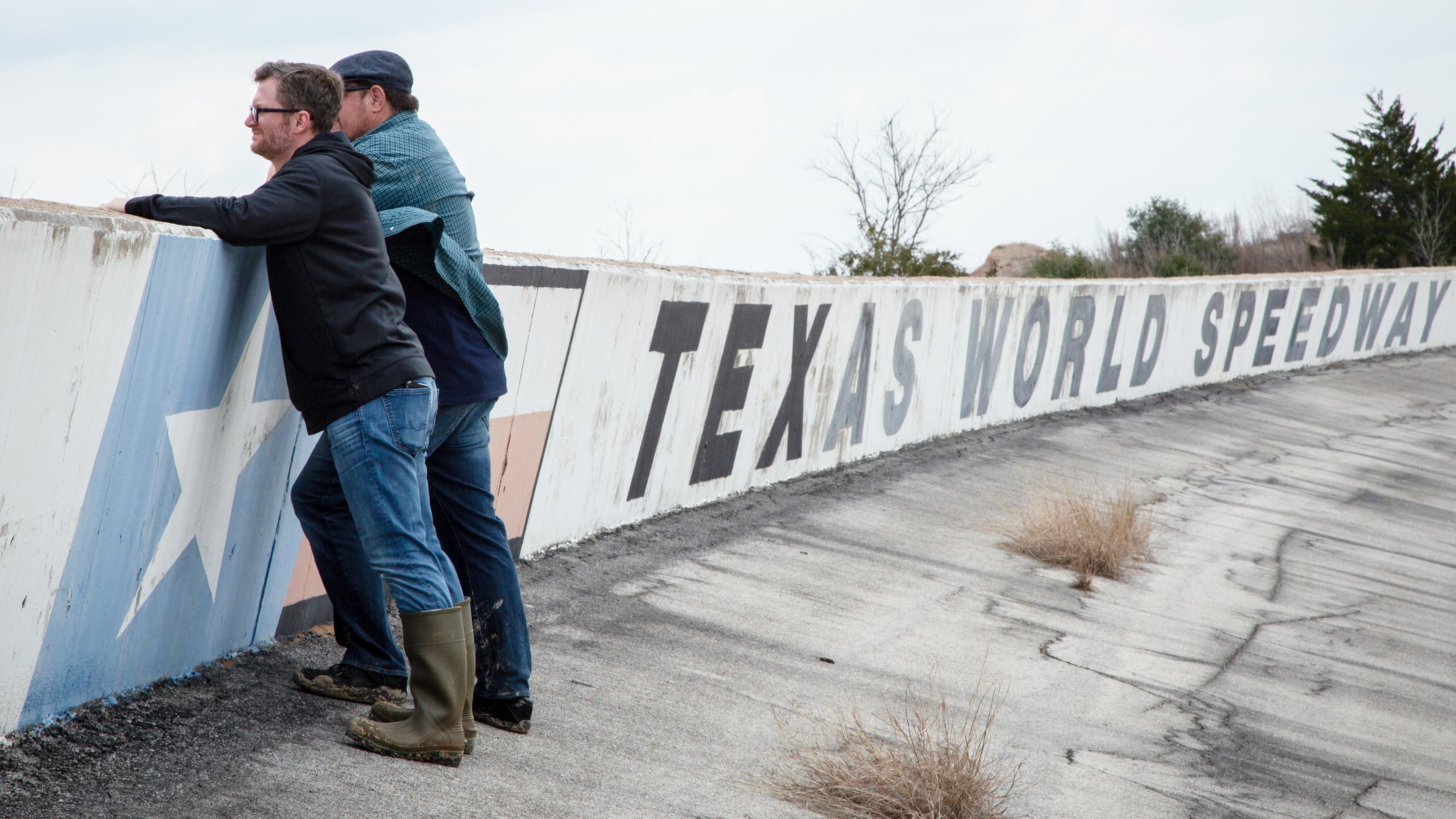 Texas World Speedway: Lonely Star