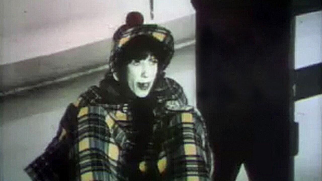 Lily Tomlin: November 22, 1975