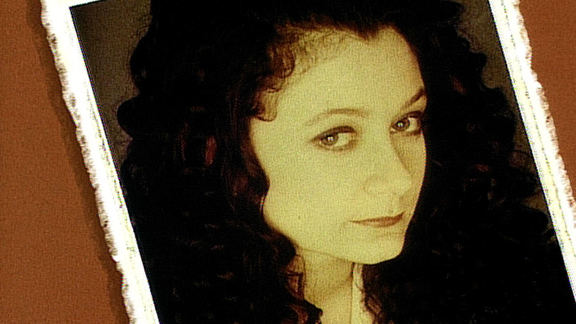 Sara Gilbert: January 15, 1994
