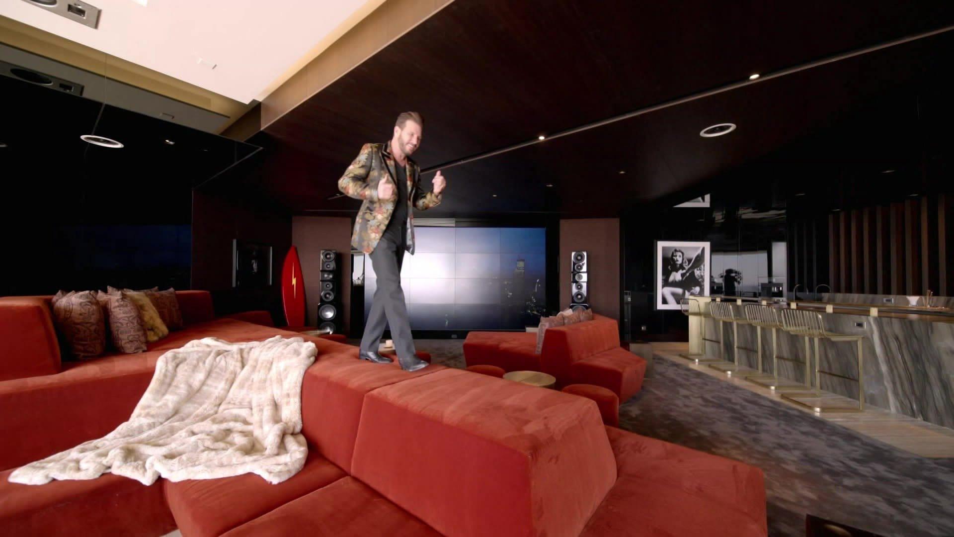 Rock Star Living & $30 Million Superyacht