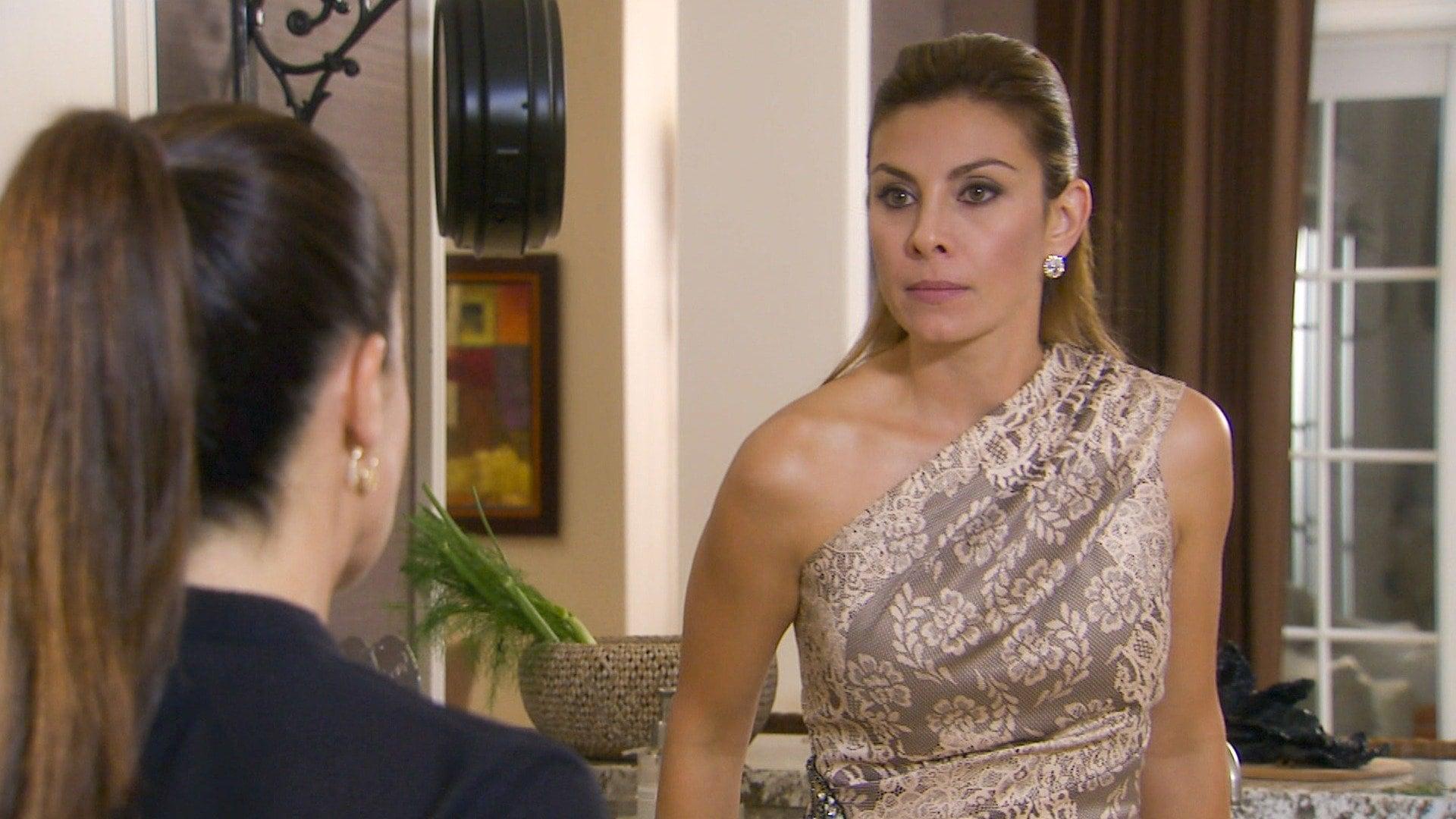 Fabiola amenaza a Nora