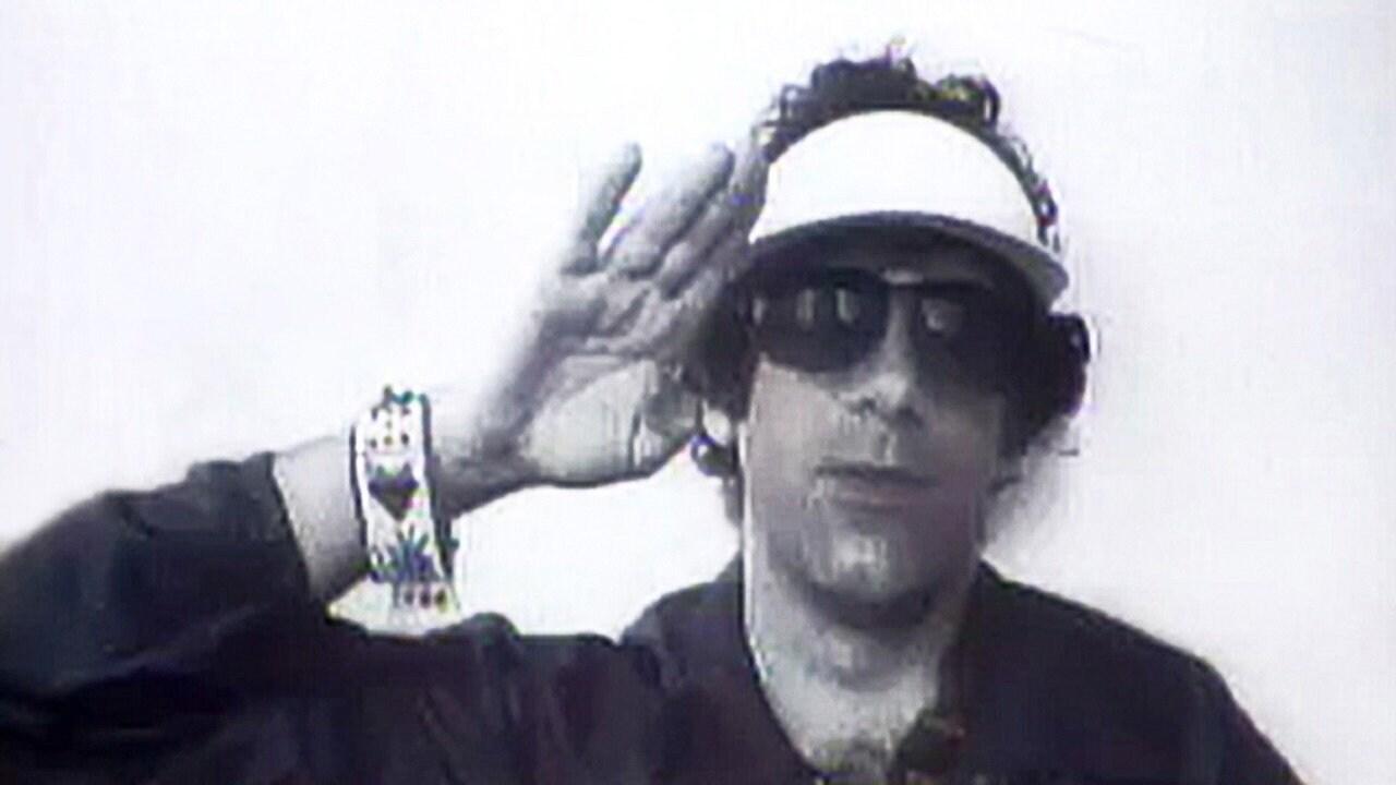Elliott Gould: May 29, 1976