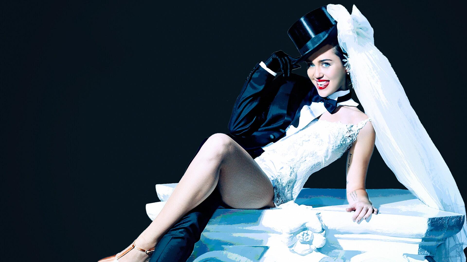 Miley Cyrus: October 3, 2015