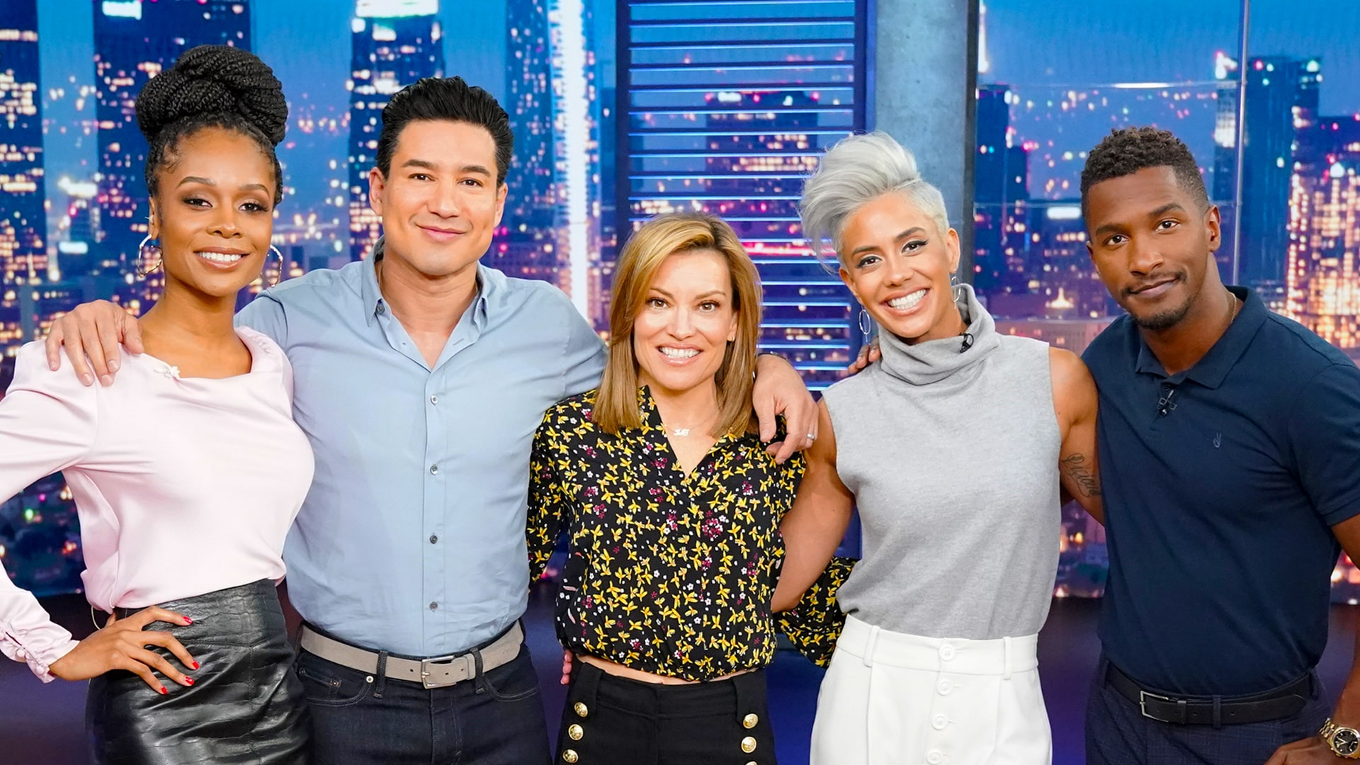 Watch Access Hollywood Online   Peacock